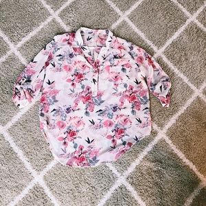 Flowy Sheer Floral 3/4 sleeve blouse